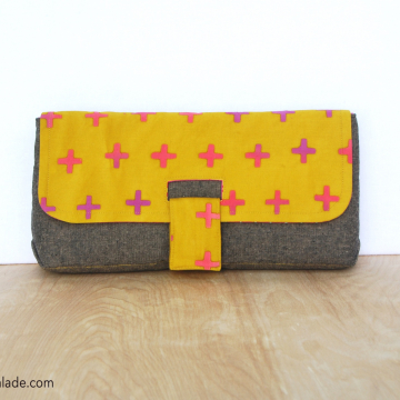 Charlie Clutch {Limited Addition}