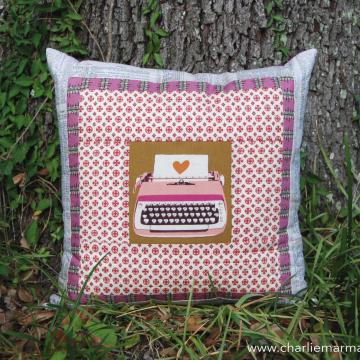 Quillow {Retro Pink Typewriter}