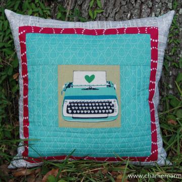 Quillow {Retro Turquoise Typewriter}